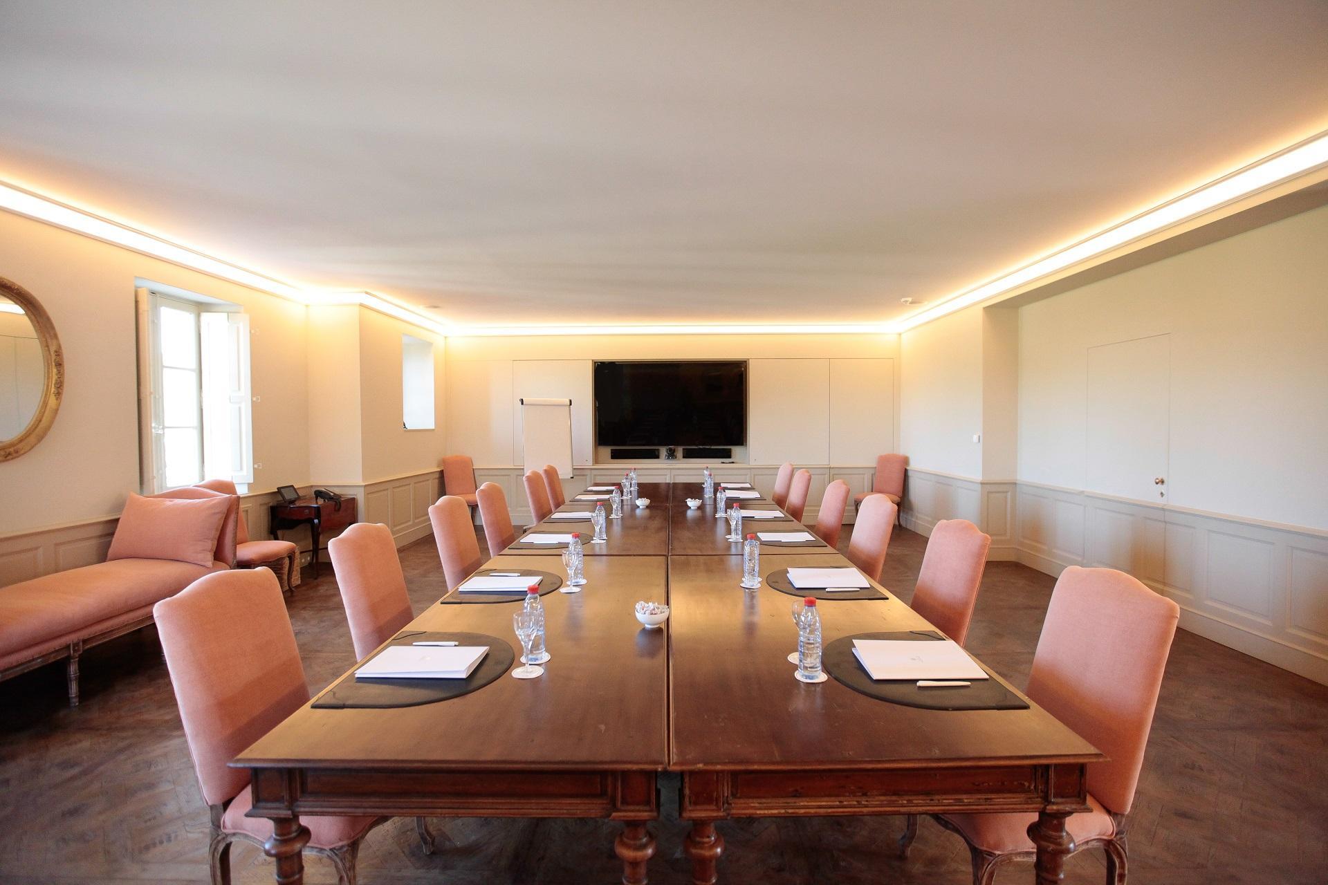 Chateau-de-berne-provence-vignoble-var-domaine-reunions-incentive-seminaires-de-caractere