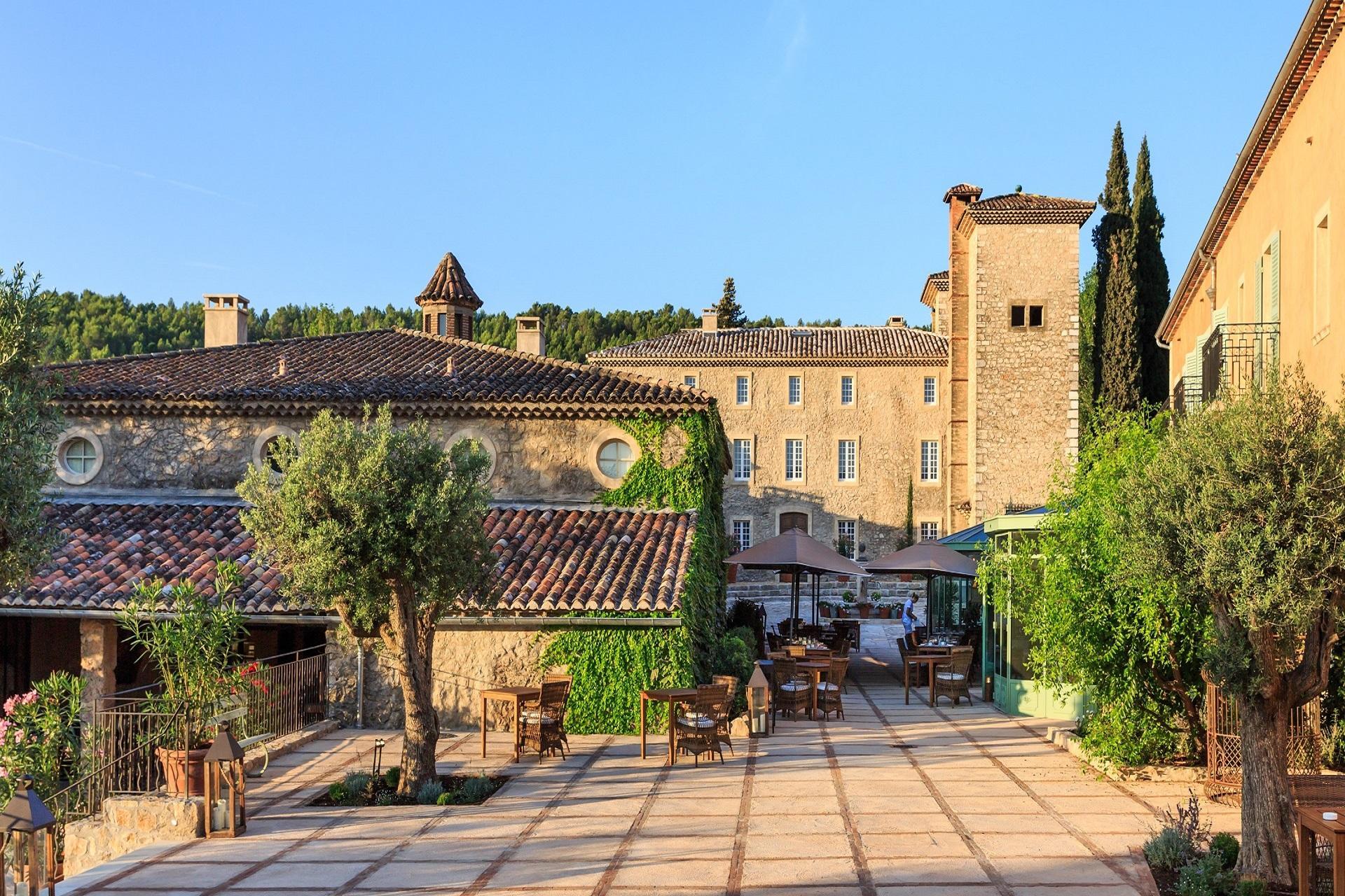 Chateau-de-berne-provence-vignoble-var-domaine-terrasses-seminaires-de-caractere