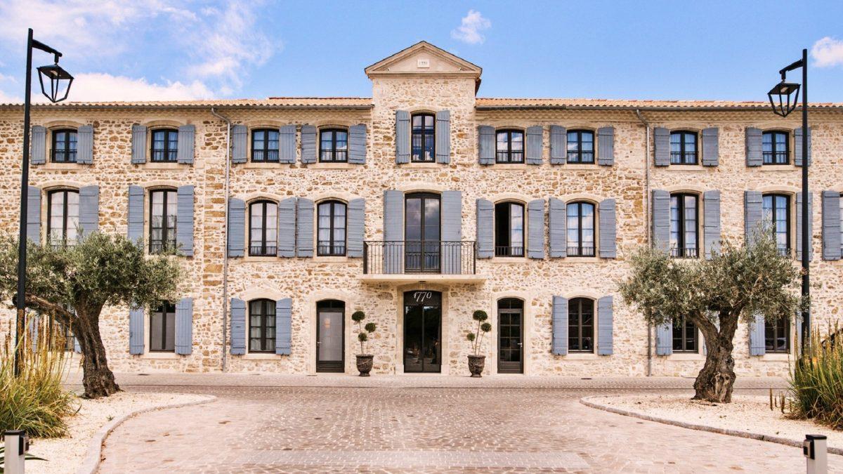 Hotel 1770-avignon-provence-sud-france-facade-seminaires-de-caractere