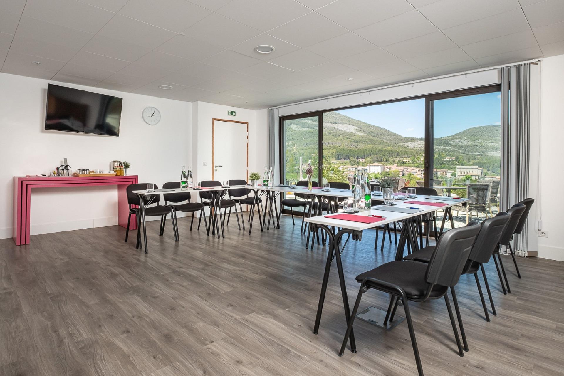 Hotel-et-Spa-des-Gorges-du-Verdon-La-Palud-salon-seminaire