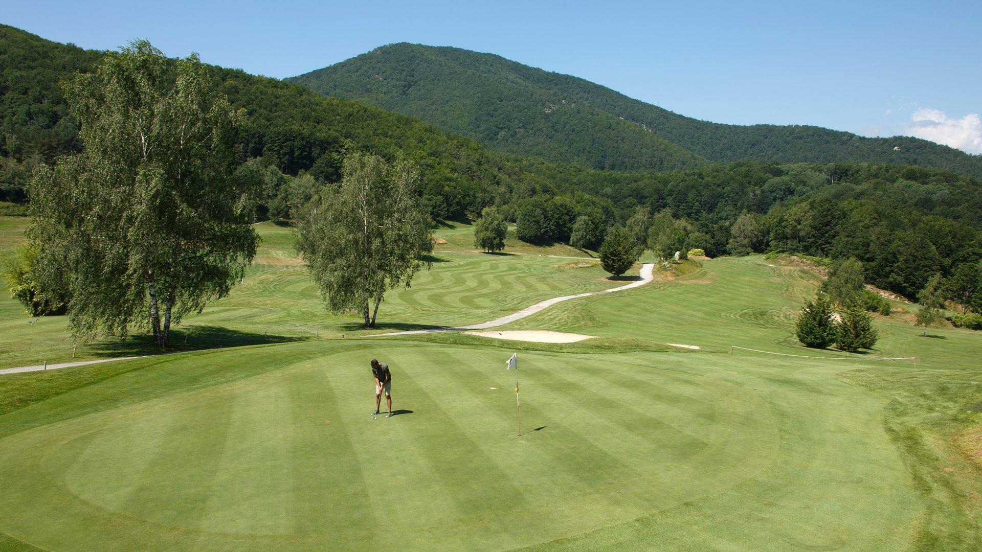 Le-Domaine-de-Falgos-Golf-Spa-occitanie-golf-seminaires-de-caractere