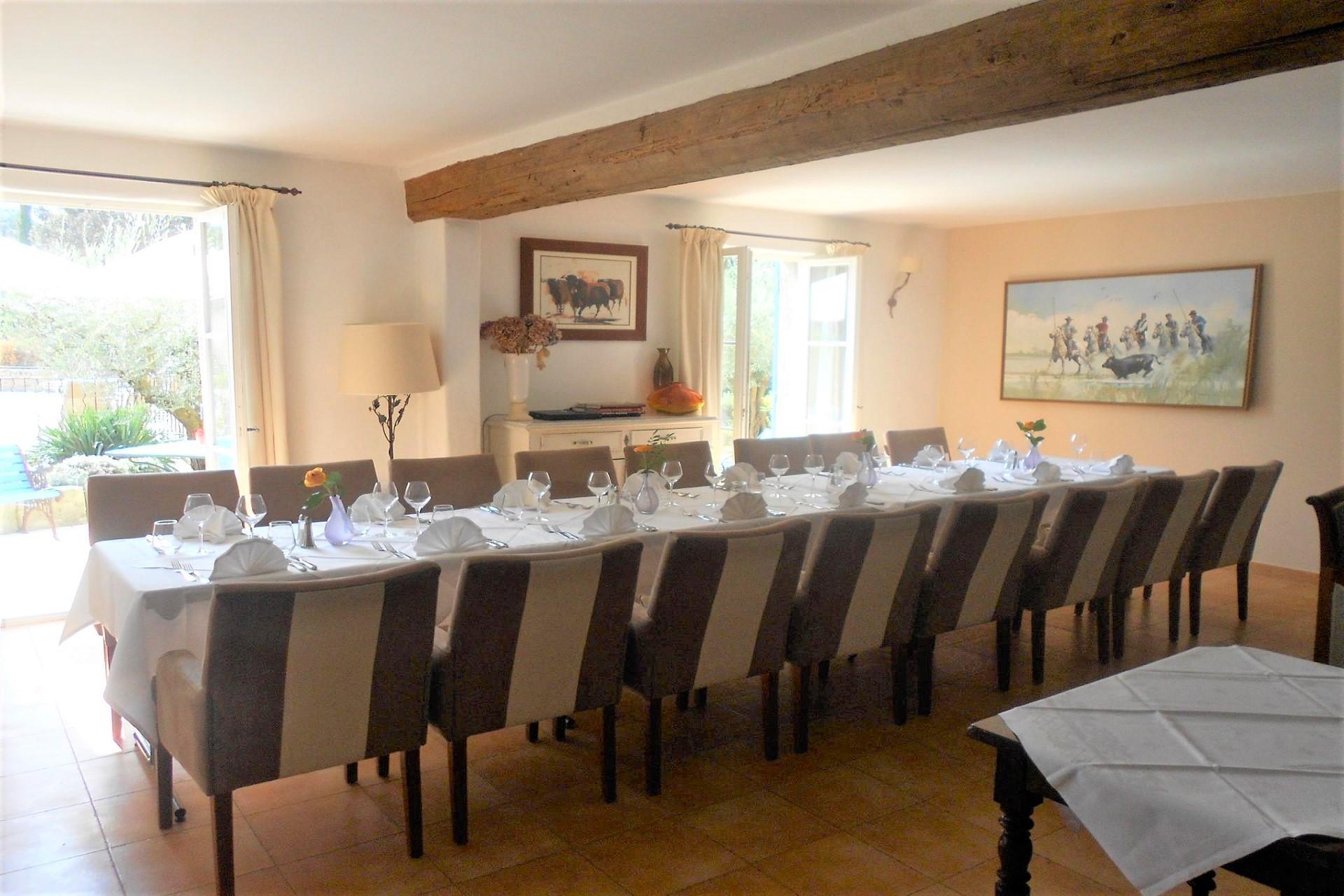 bastide-eygalieres-alpilles-provence-sud-seminaires-banquet