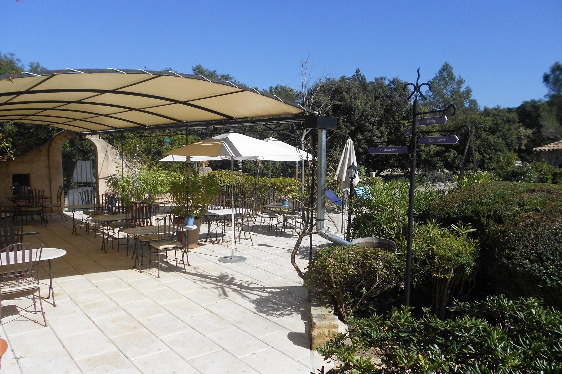 bastide-eygalieres-alpilles-provence-sud-seminaires-terrasse