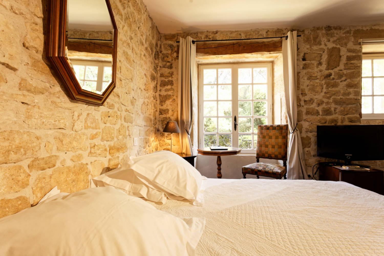 chateau-arpaillargues-uzes-gard-provence-chambres-seminaires-de-caractere