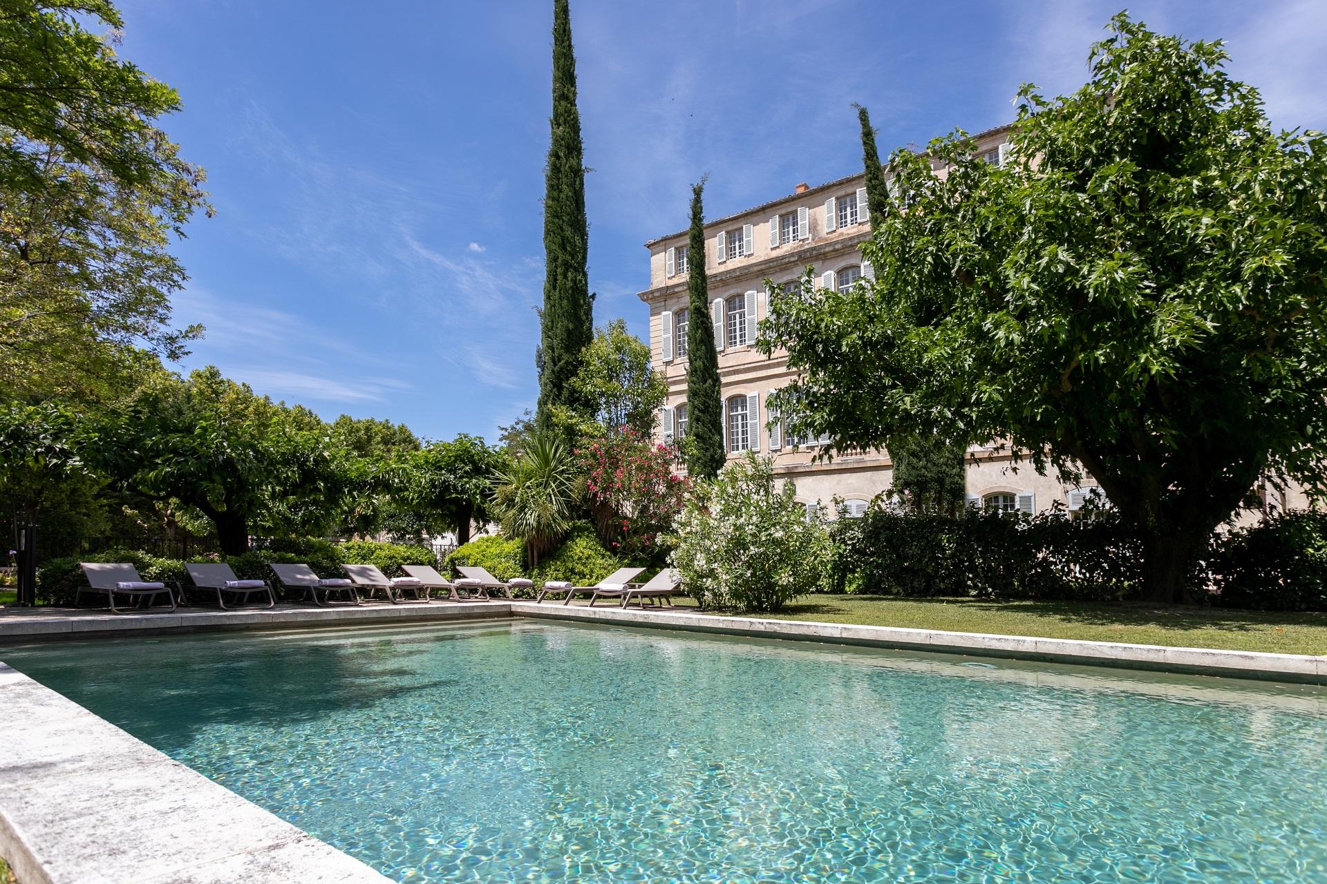 chateau-de-mazan-ventoux-vaucluse -avignon-provence-piscine-seminaires-de-caractere