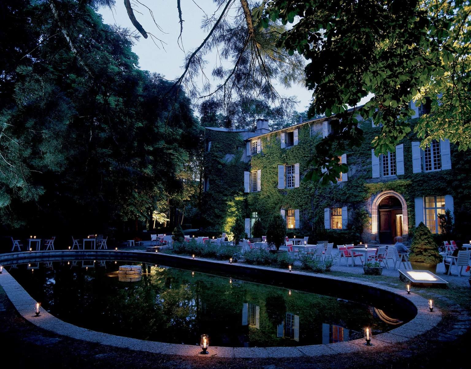 chateau-des-ayres-losere-ocitanie-gorges-du-terrasse-nuit