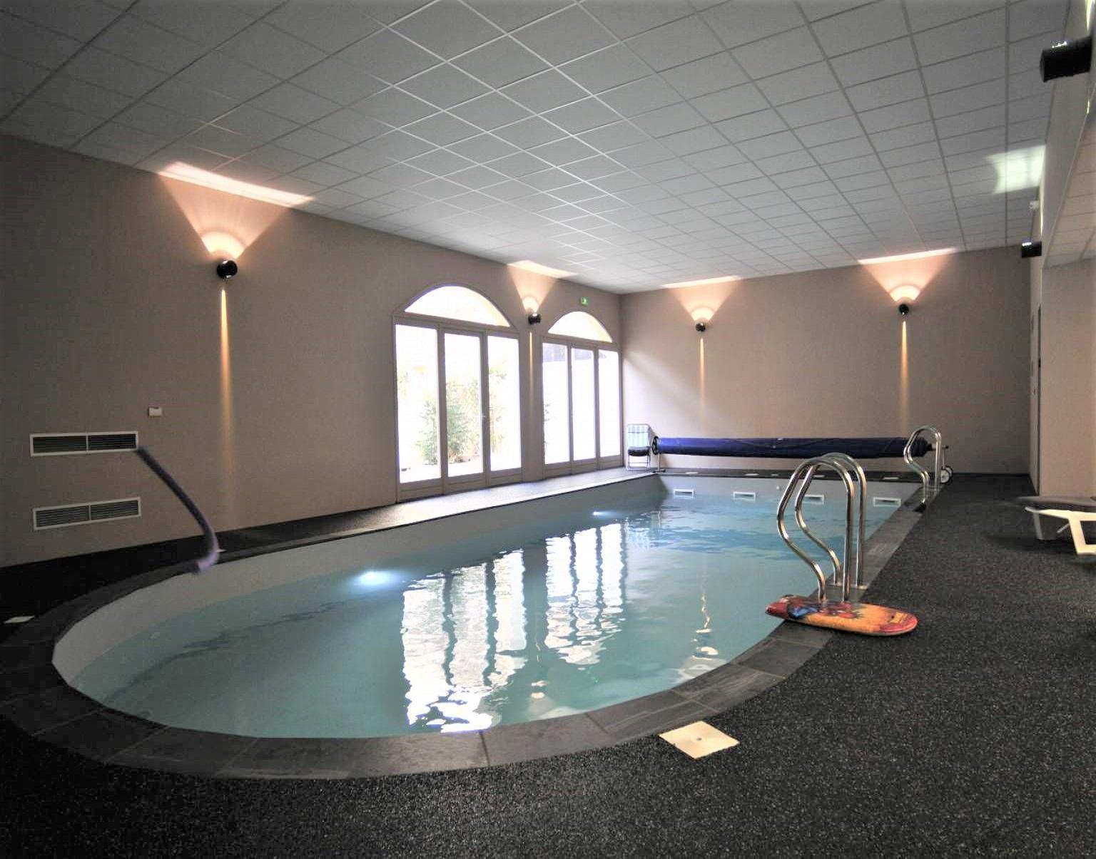 chateau-des-ayres-losere-ocitanie-piscine
