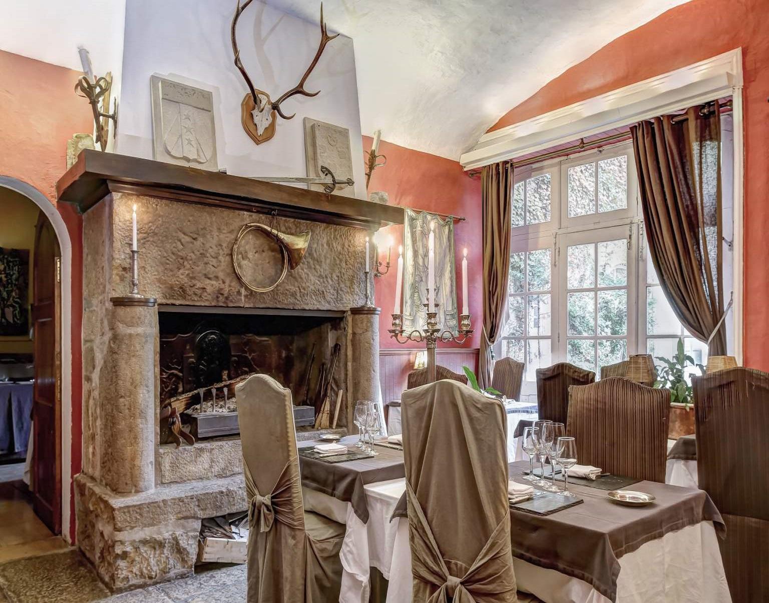 chateau-des-ayres-losere-ocitanie-tarn-restaurant