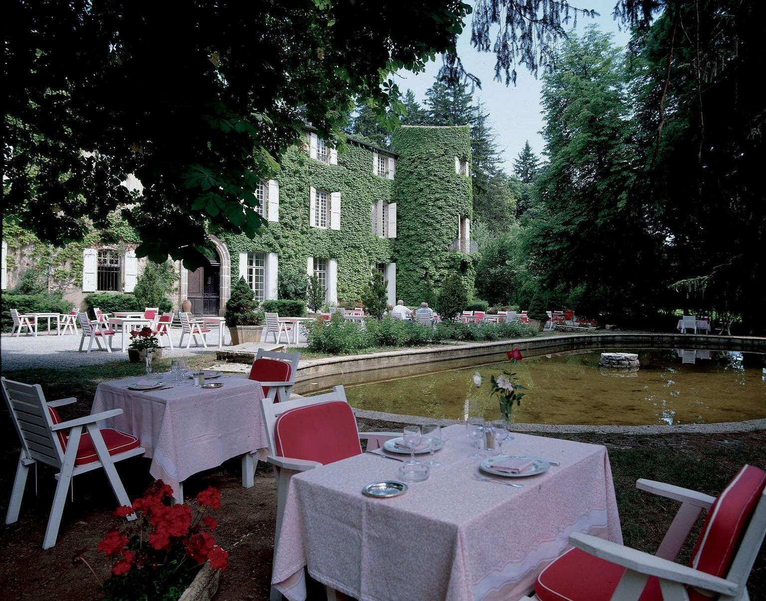 chateau-des-ayres-losere-ocitanie-terrasse
