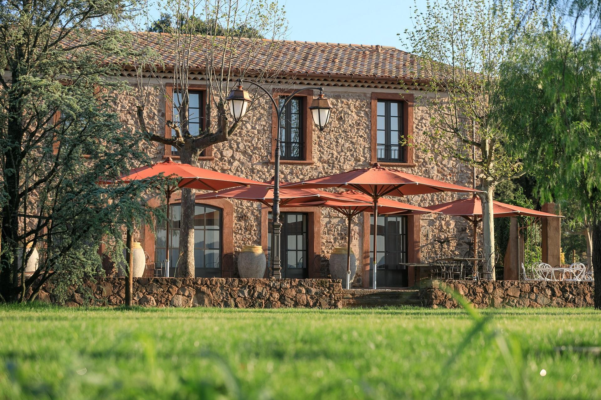 chateau-saint-roux-provence-var-mas-seminaires-de-caractere