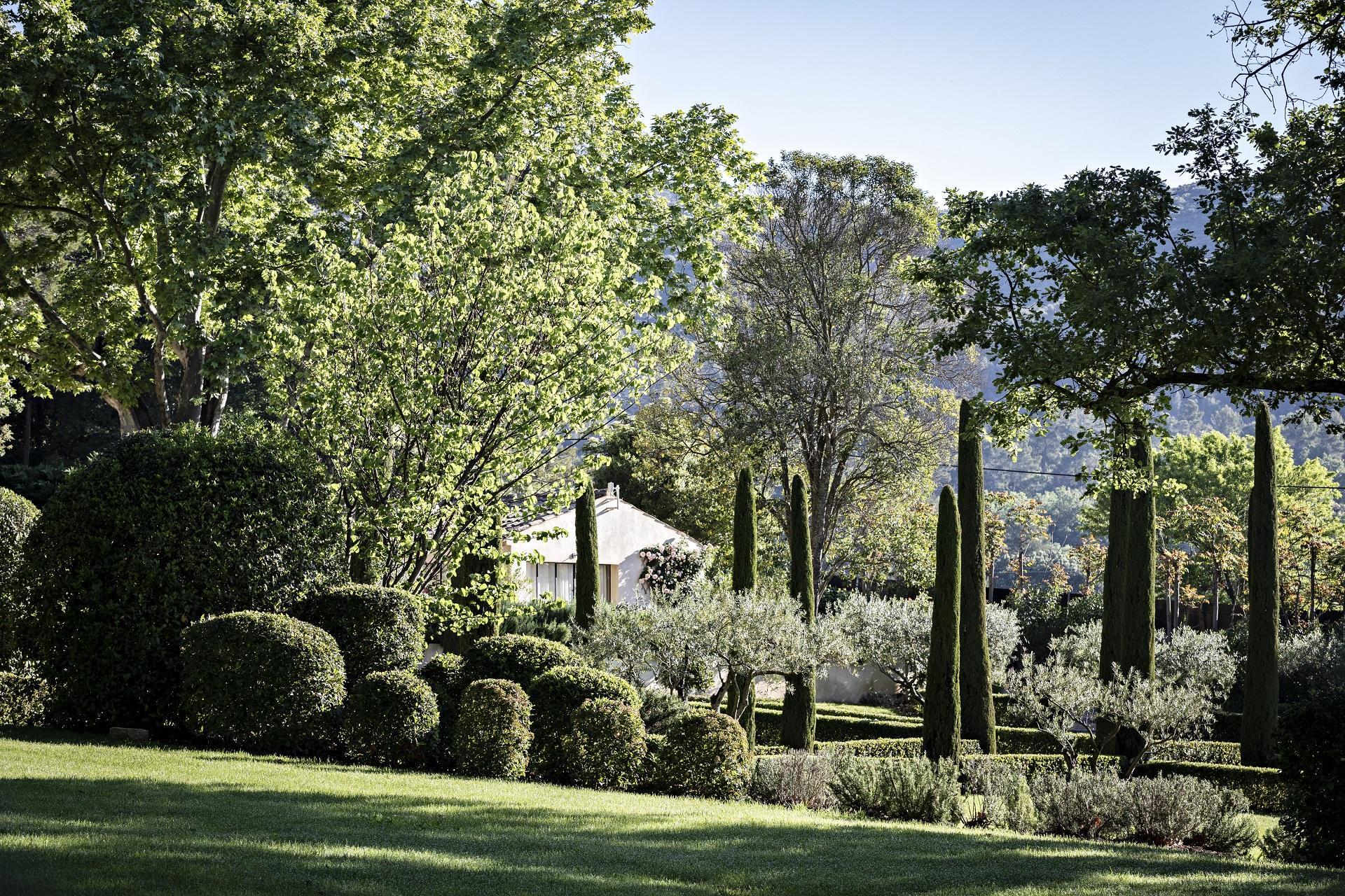 domaine-de-fontenille-luberon-provence-jardins-seminaires-de-caractere