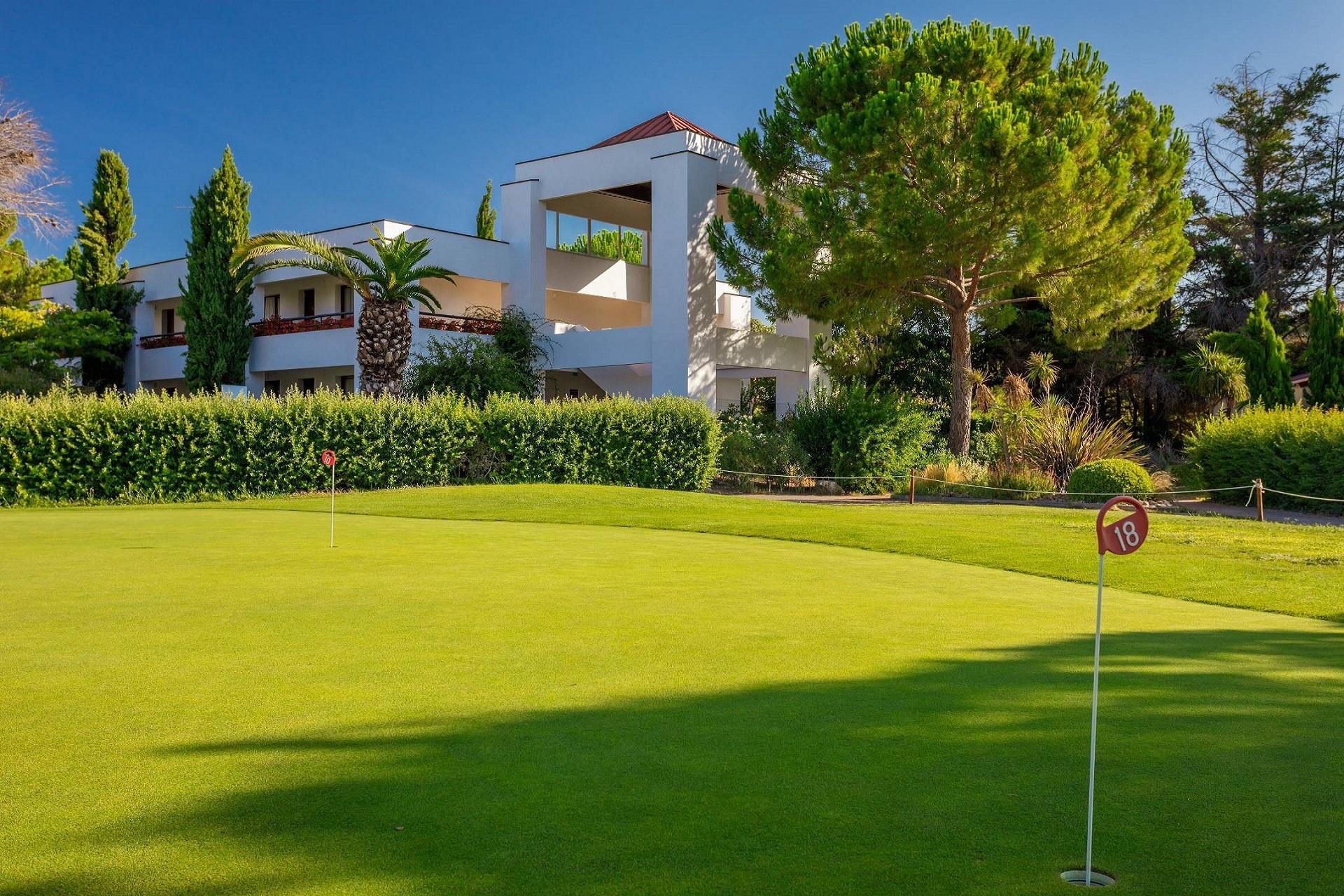 domaine-de-massane-montpellier-occitanie-seminaires-de-caractere-golf 3