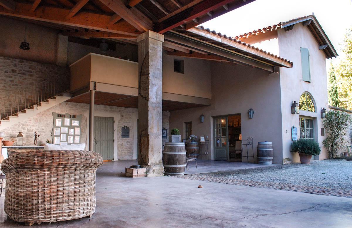 domaine-des-clos mas-provencal-avignon-alpilles-provence-patio-seminaires-de-caractere