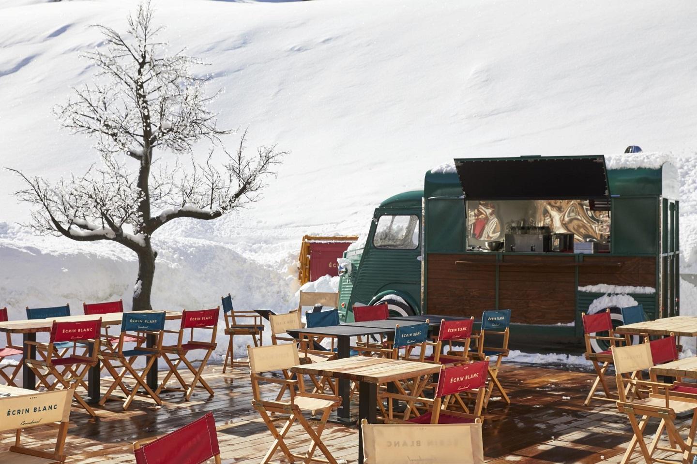 ecrin-blanc-courchevel-incentive-neige-ski-montagne-food-truck