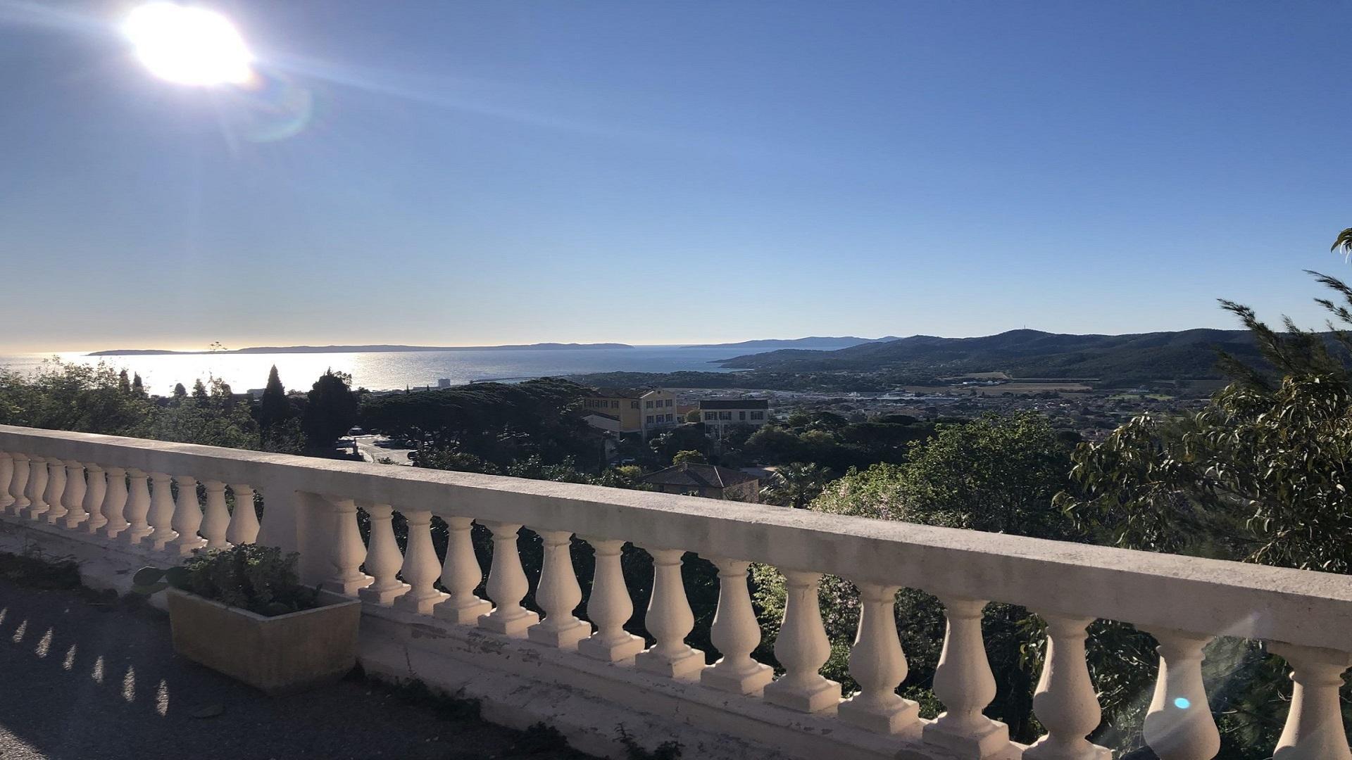 eden-rose-grand-hotel-bormes-les-mimosas-paca-cote-azur-vue-seminaire