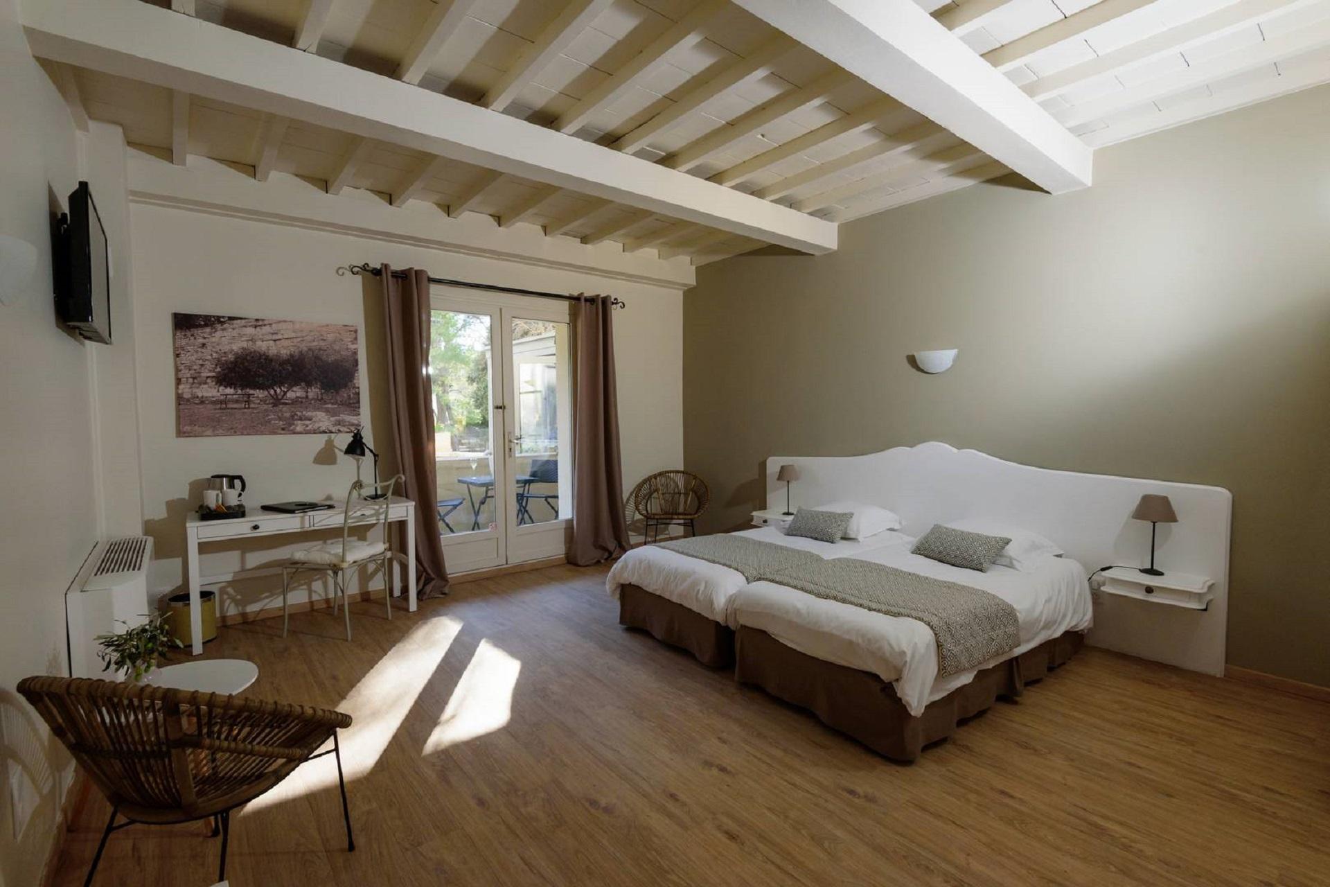 hotel-belesso-baux-de-provence-fontvieille-chambre-seminaires-de-caractere