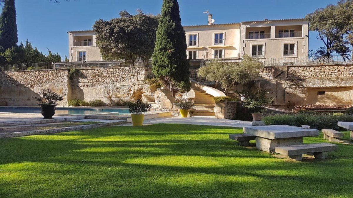 hotel-belesso-baux-de-provence-fontvieille-nature-seminaires-de-caractere