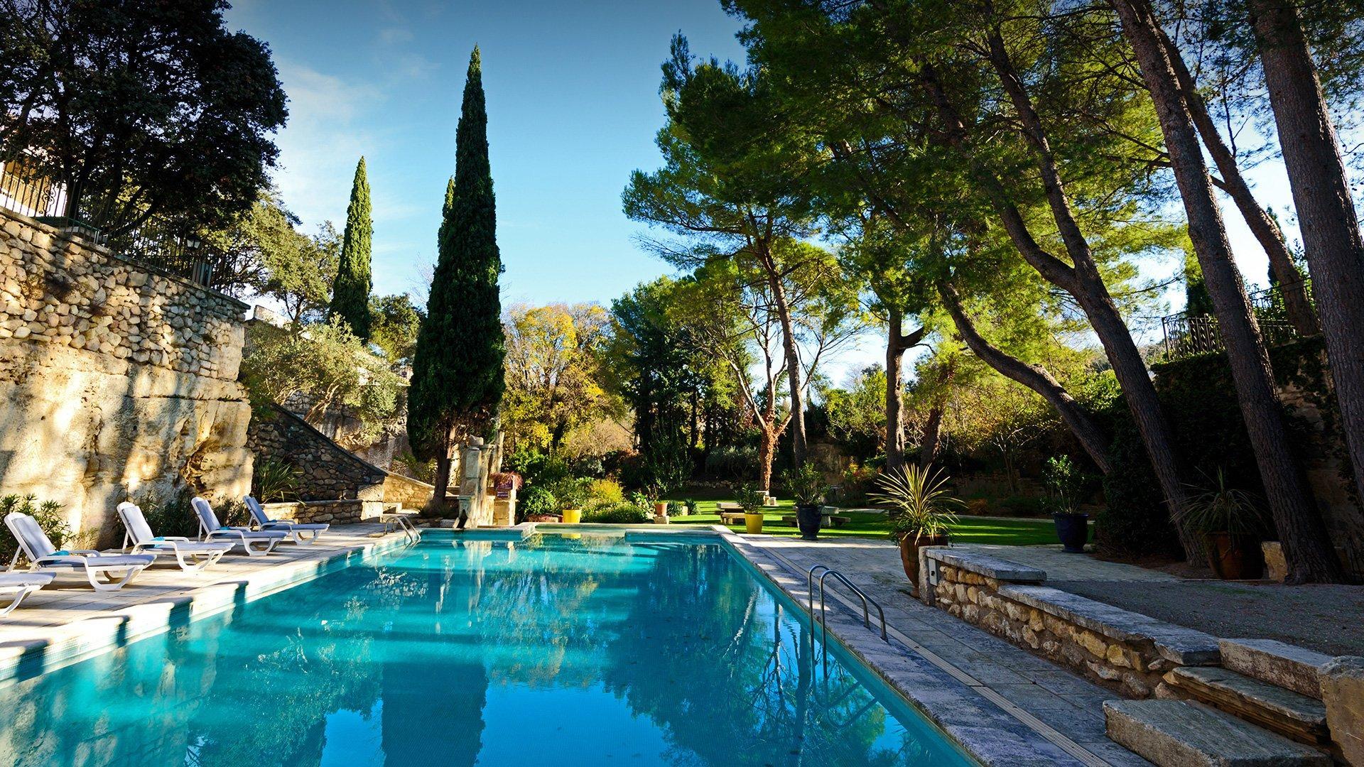 hotel-belesso-baux-de-provence-fontvieille-piscine-seminaires-de-caractere