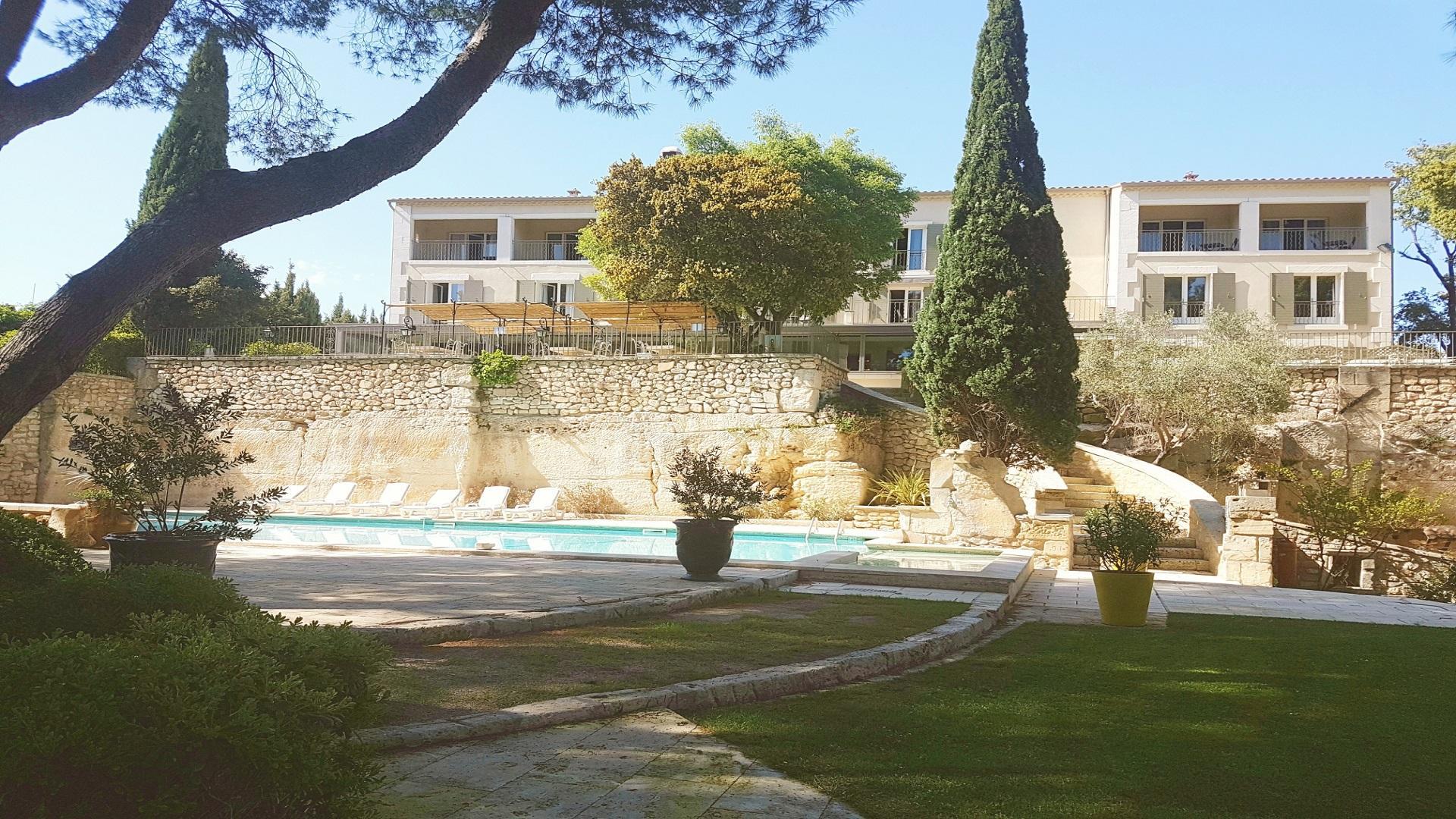 hotel-belesso-baux-de-provence-fontvieille-provence-seminaires-de-caractere