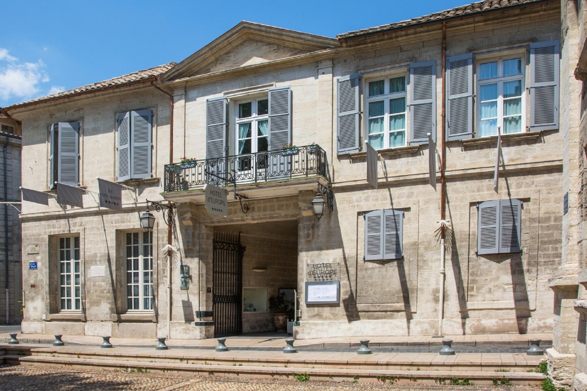 hotel-europe-avignon-provence-luberon-sud-facade-seminaires-de-caractere.