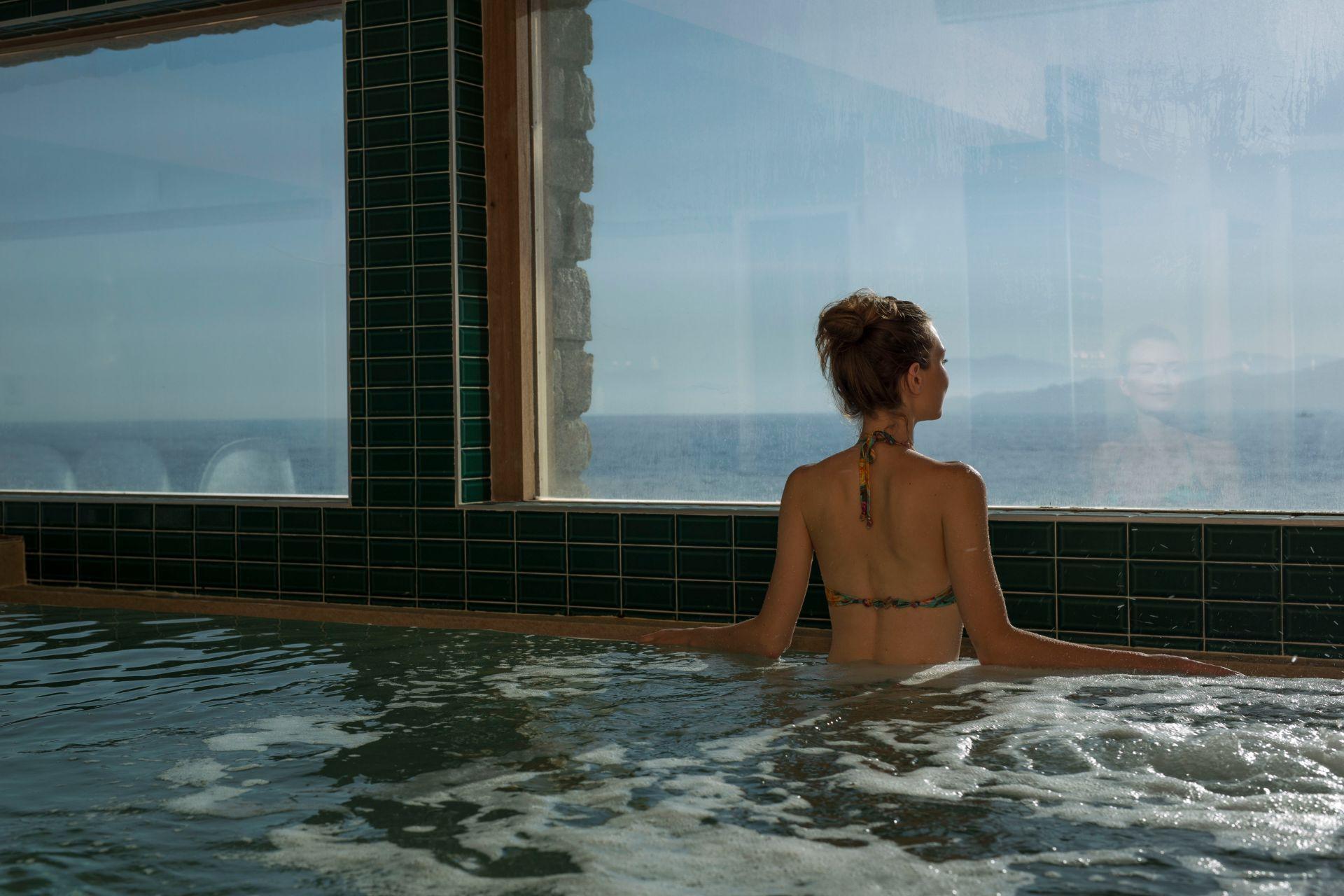 hotel-la-pietra corse-ile-rousse-piscine-seminaires-de-caractere