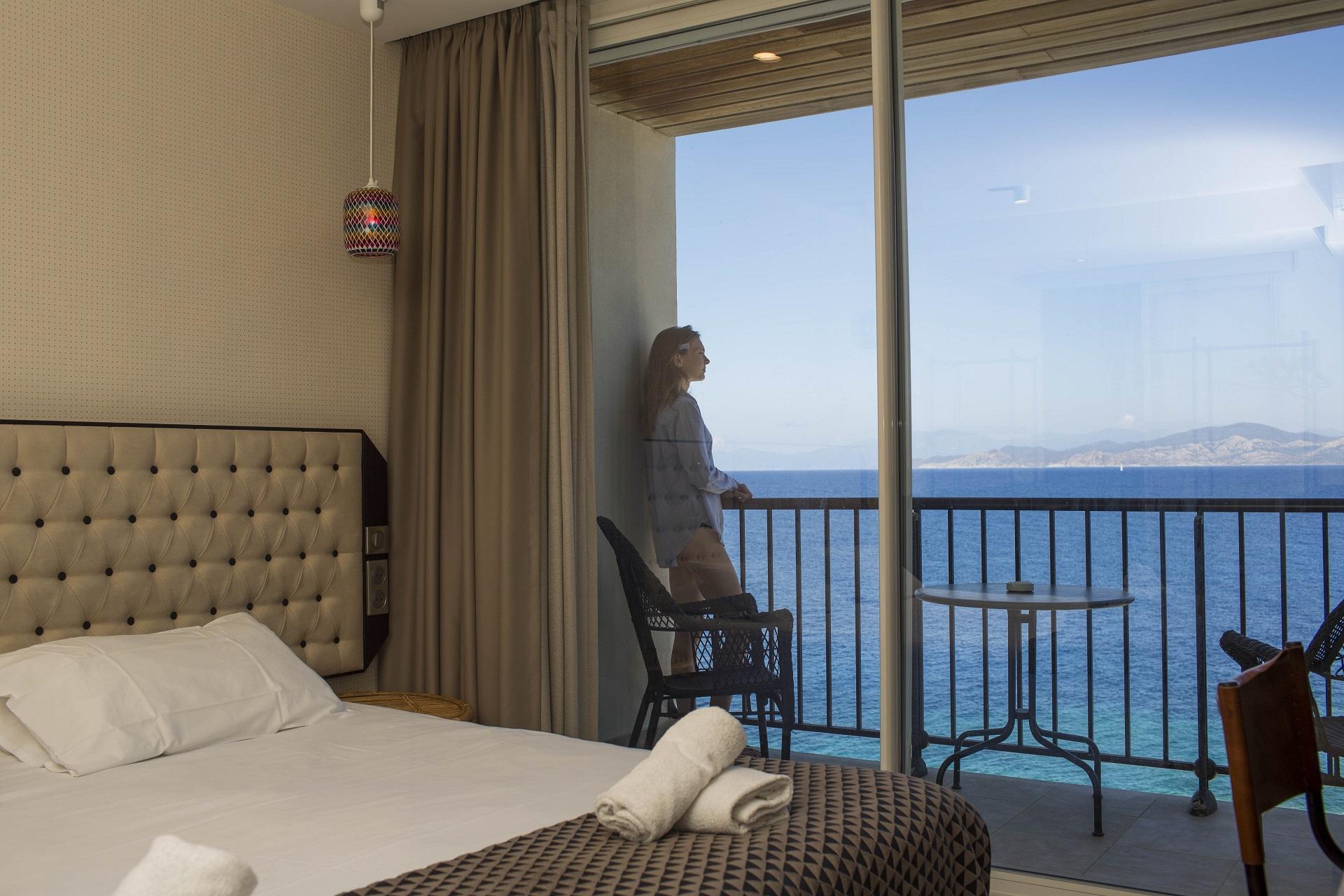 hotel-la-pietra corse-ile-rousse-vue-unique-seminaires-de-caractere