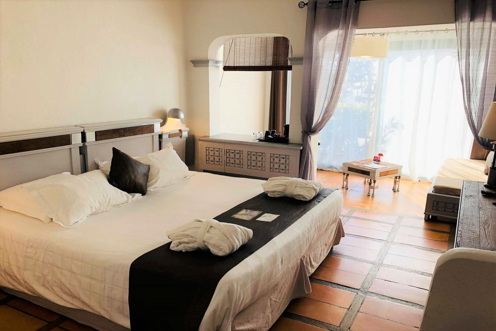 hotel-roi-theodore-et-spa-porto-vecchio-seminaires-de-caractere-chambre