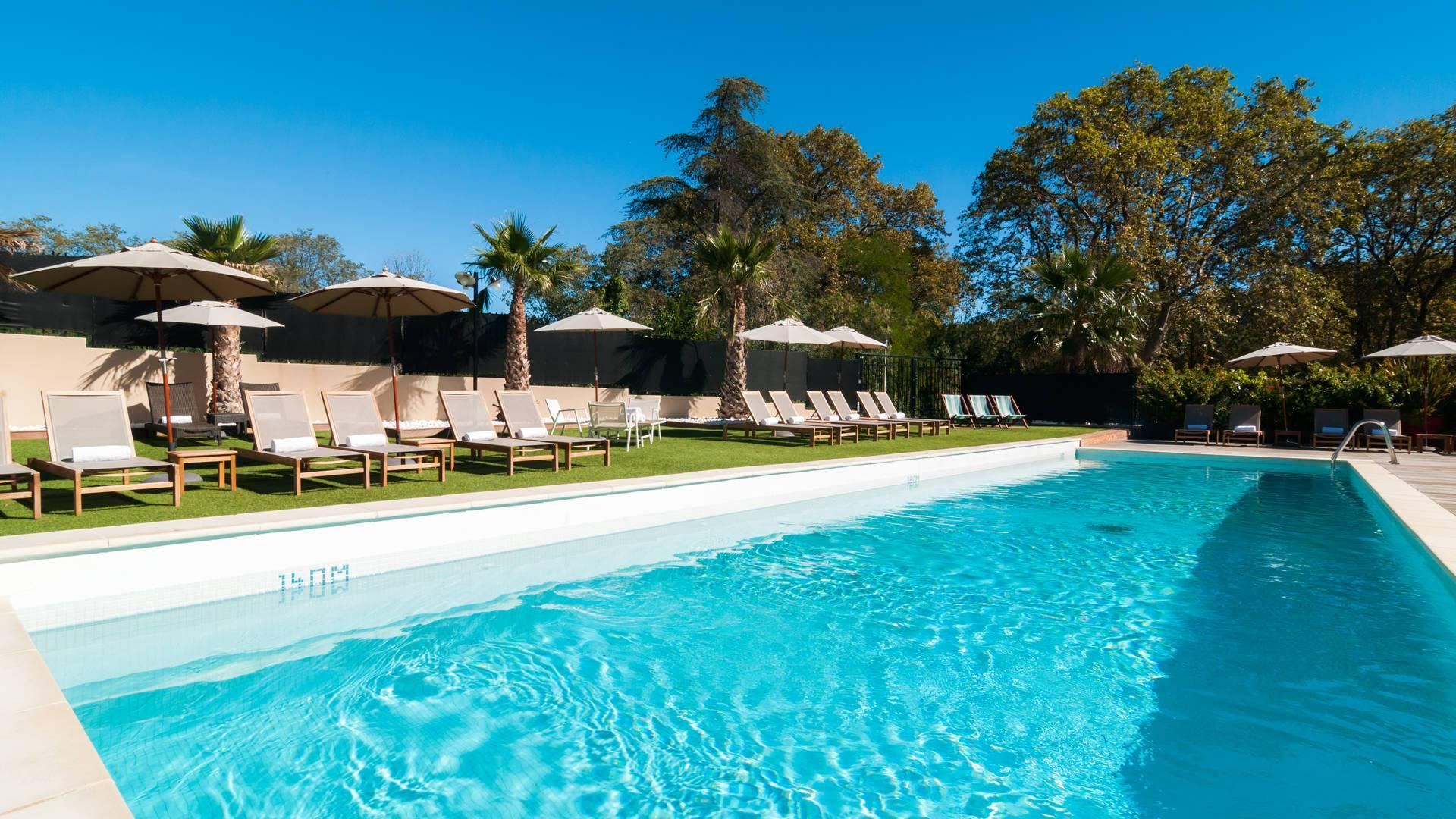 hotel-spa-de-fontcaude-juvignac-montpellier-occitanie-piscine