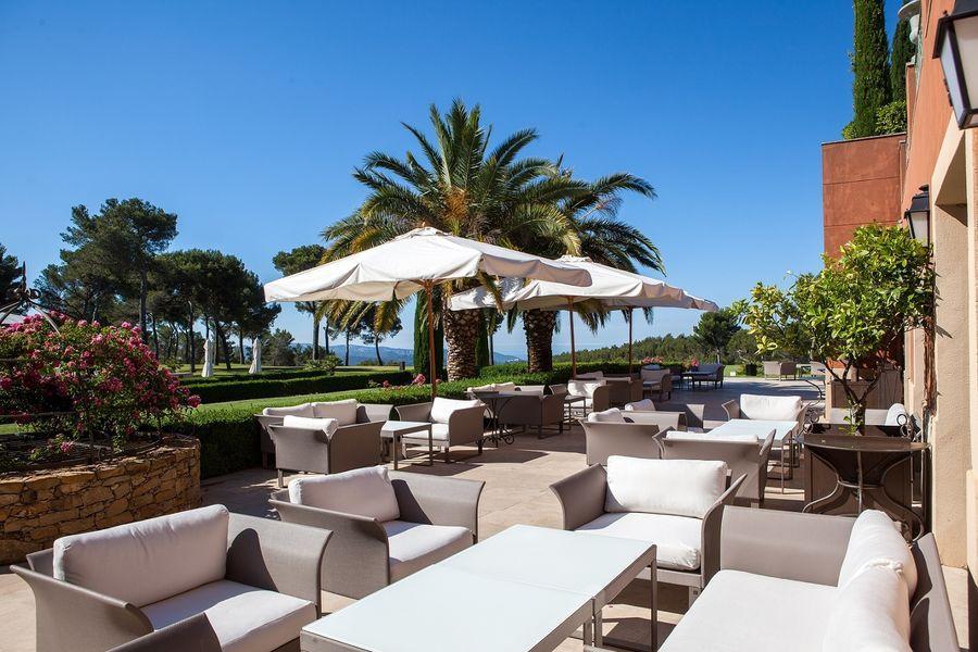 hotel-spa-du-castellet-terrasses