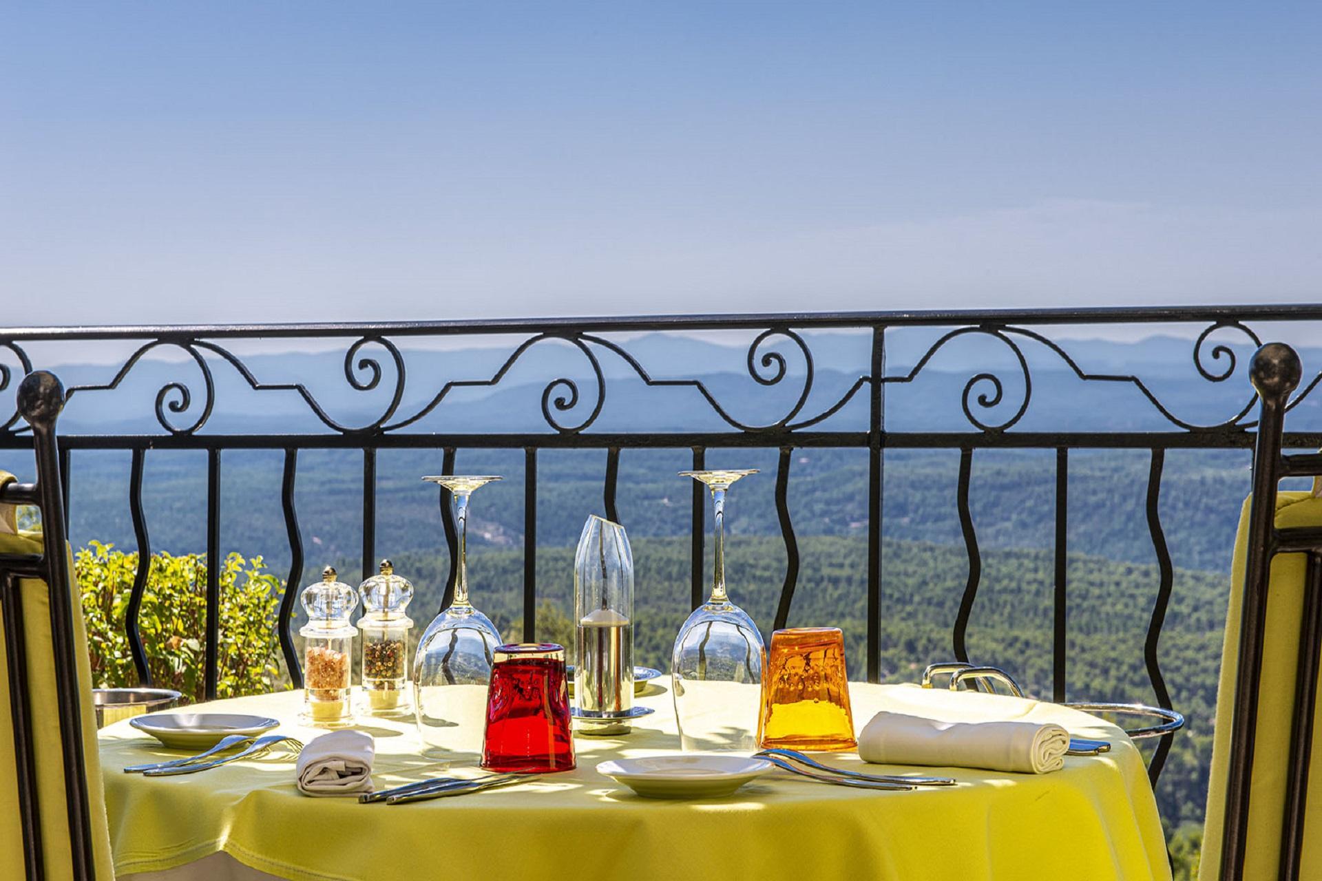 la-bastide-de-tourtour-sud-provence-var-panorama-seminaires-de-caractere