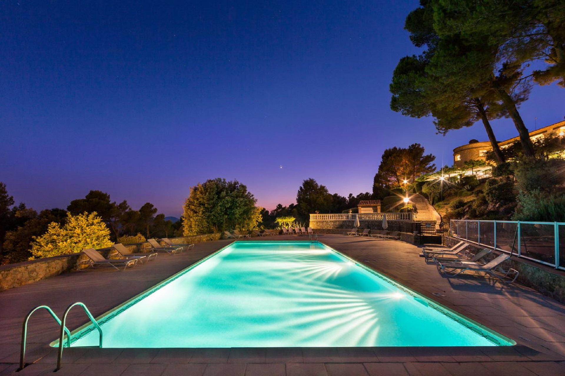 la-bastide-de-tourtour-sud-provence-var-piscine-nuit-seminaires-de-caractere