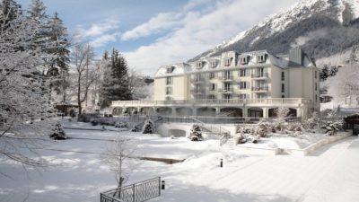 la-folie-douce-hotel-facade-chamonix-montblanc-seminaires-de-caractere