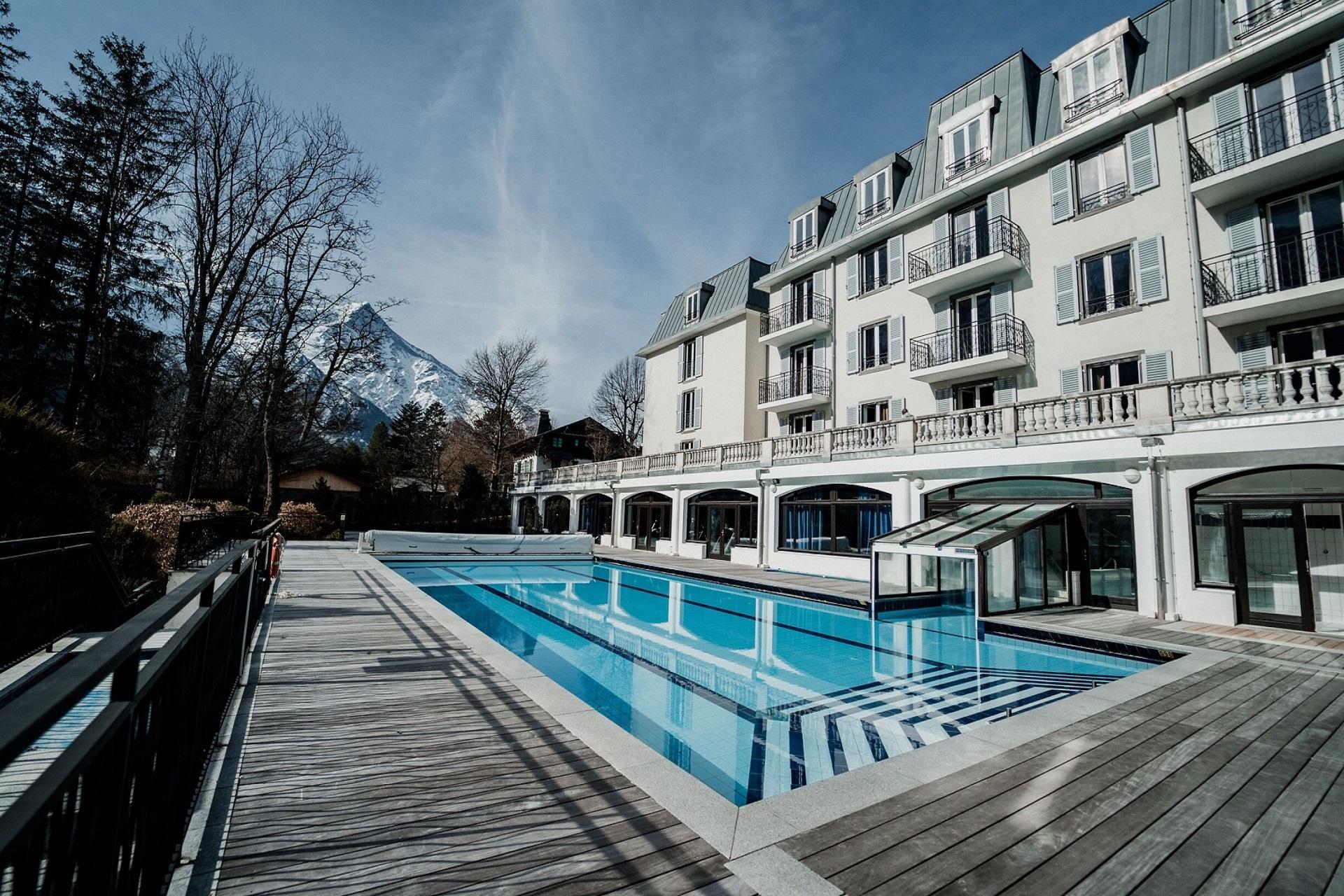 la-folie-douce-hotel-piscine-chamonix-montblanc-seminaires-de-caractere