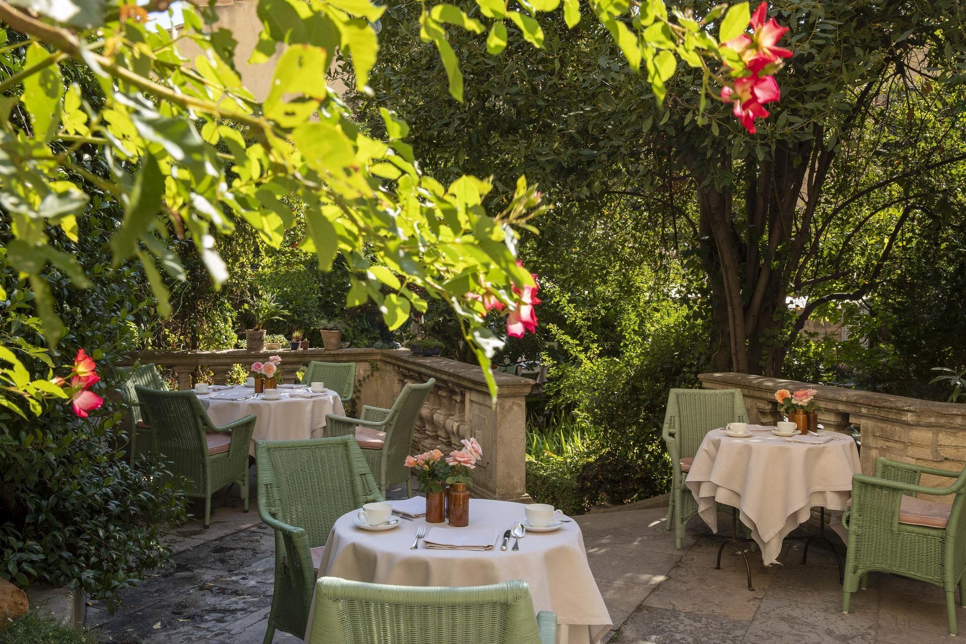 la-mirande-avignon-provence-luberon-reunion-seminaires-de-caractere-jardins