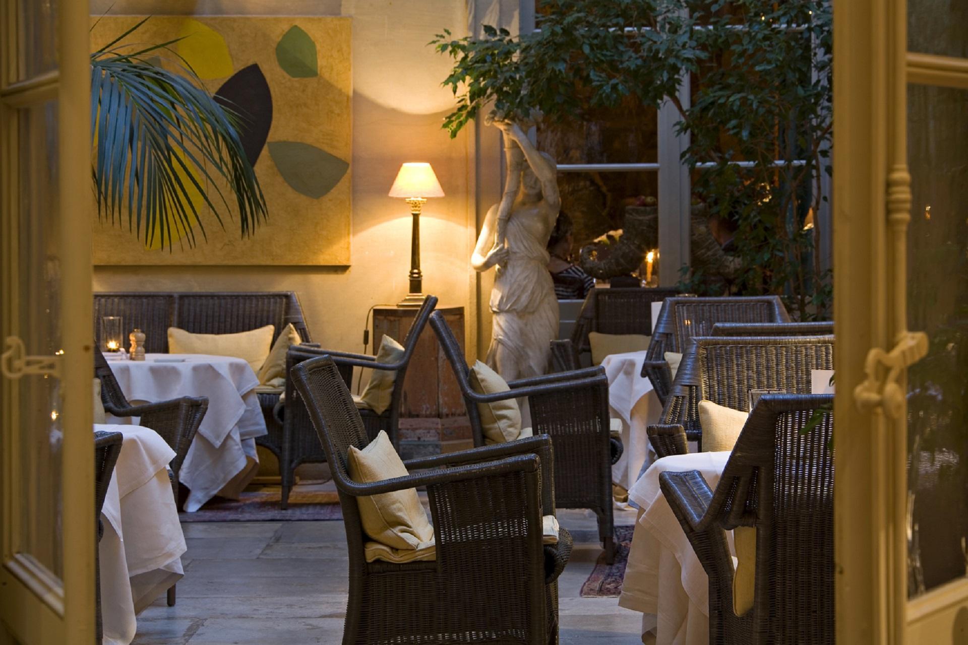 la-mirande-avignon-provence-luberon-reunion-seminaires-de-caractere-restaurant