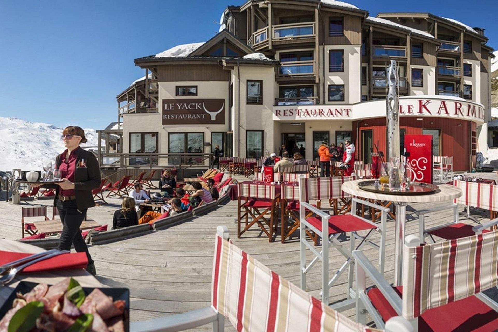 le-hameau-du-kashmir-val-thorens-montagnettes-ski-neige-terrasse