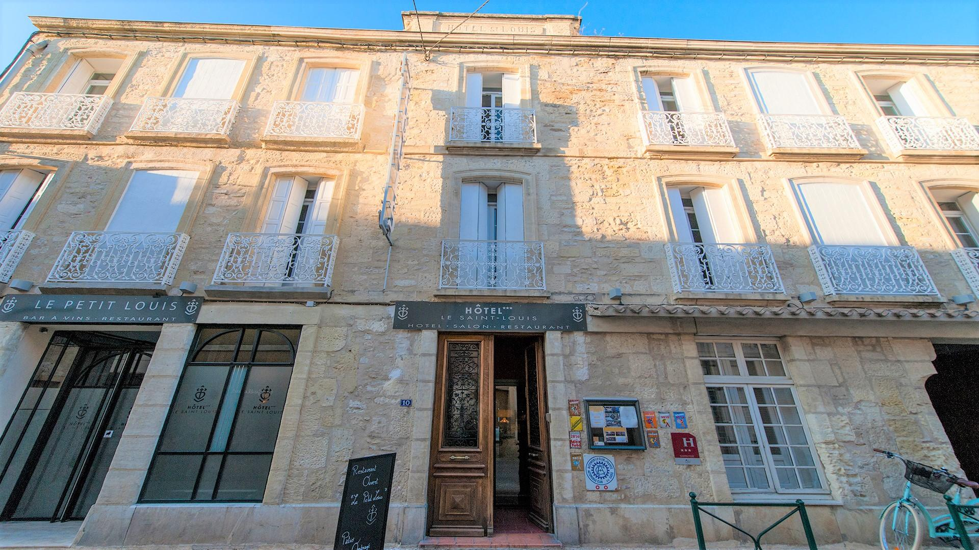 le-saint-louis-aigues-mortes-incentive-gard-occitanie-camargue-facade
