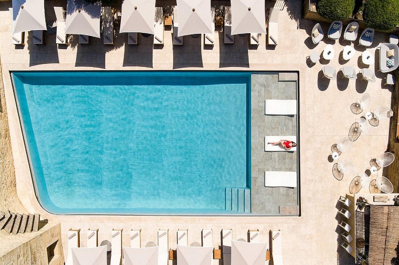 le-vieux-castillon-gard-provence-nimes-piscine-seminaires-de-caractere