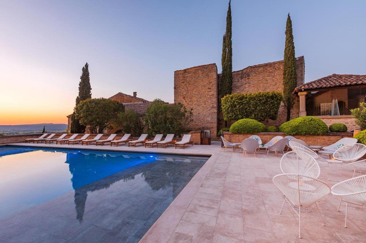 le-vieux-castillon-gard-provence-vue-panoramique-seminaires-de-caractere