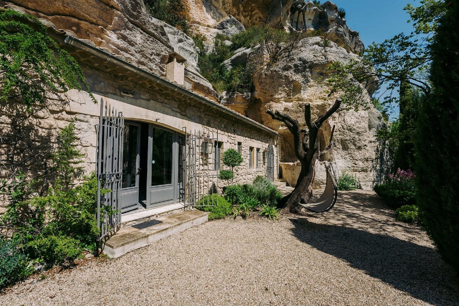 letoile-des-baux-iconic-house-baux-de-provence-alpilles-bouches-du-rhone-entree-seminaires-de-caractere