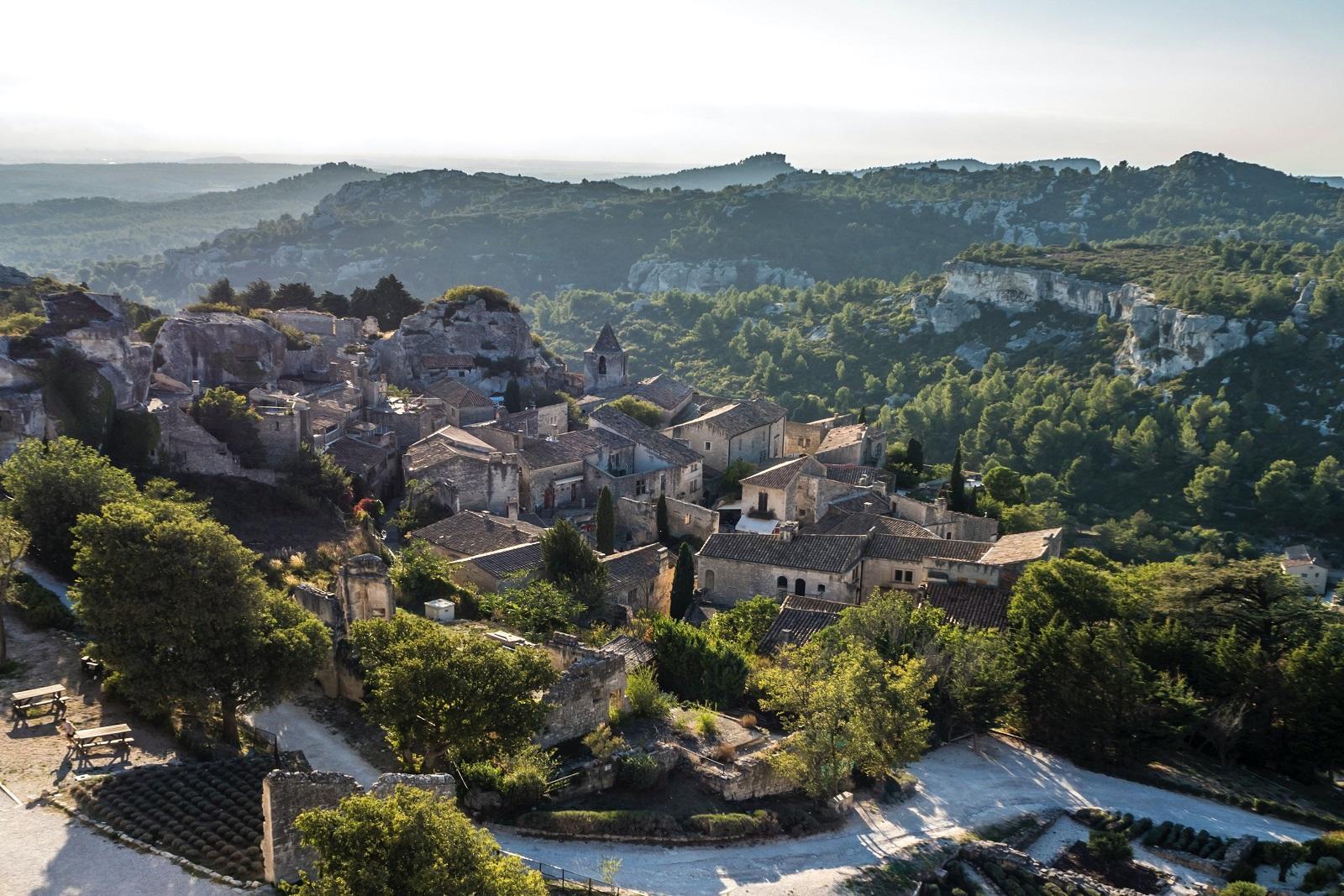 letoile-des-baux-iconic-house-baux-de-provence-alpilles-village-bouches-du-rhone-seminaires-de-caractere