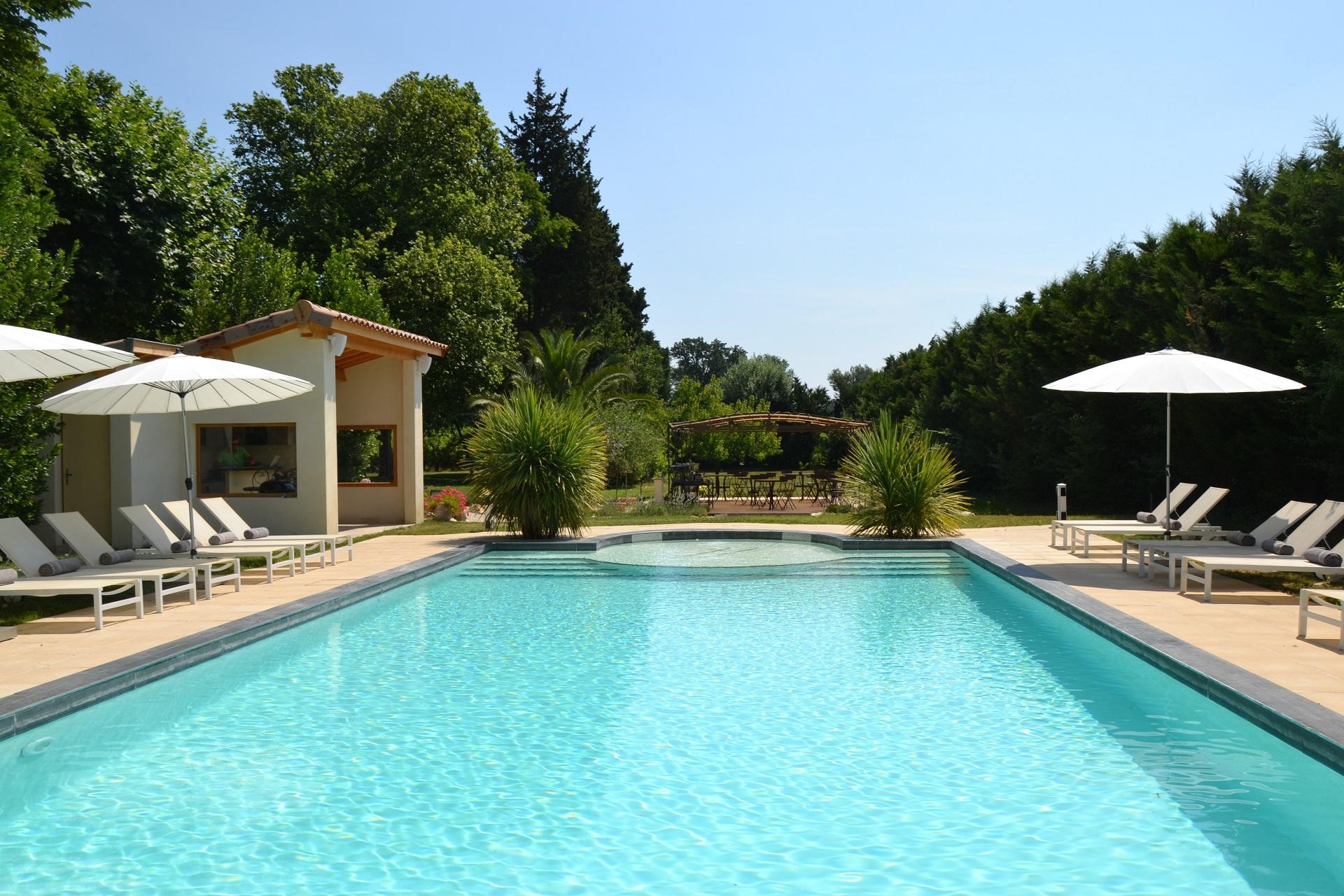 mas-de-capelou-avignon-vaucluse-provence-parc-piscine-seminaires-de-caractere