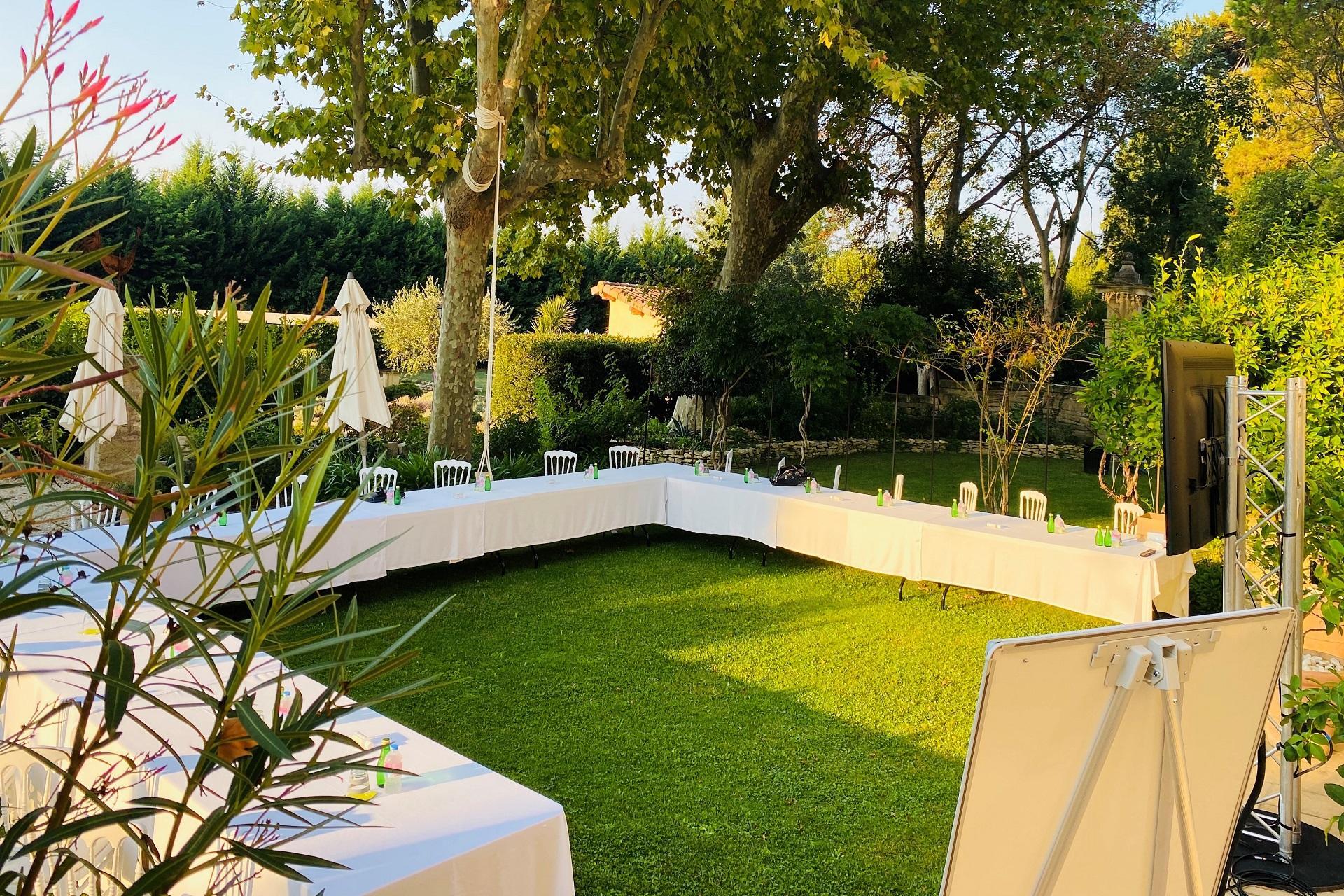 mas-de-capelou-avignon-vaucluse-provence-reunions-jardins-seminaires-de-caractere