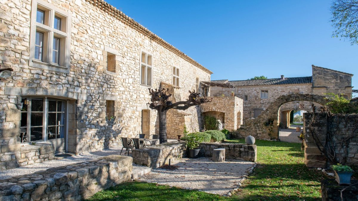 mas-de-rey-uzes-gard-provence-occitanie-jardins-seminaires-de-caractere