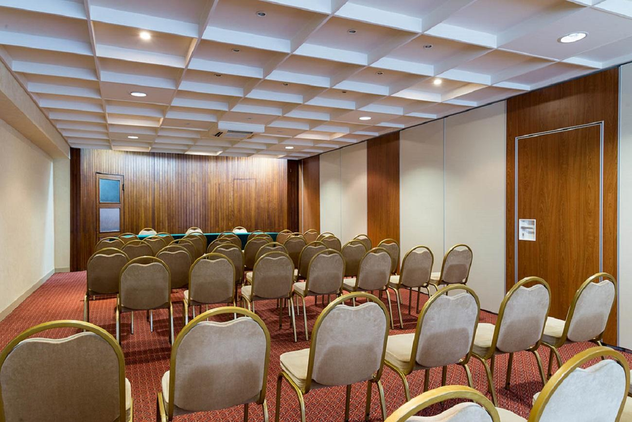 villa-borghese-hotel-greoux-les-bains-reunion-04-seminaires-de-caractere