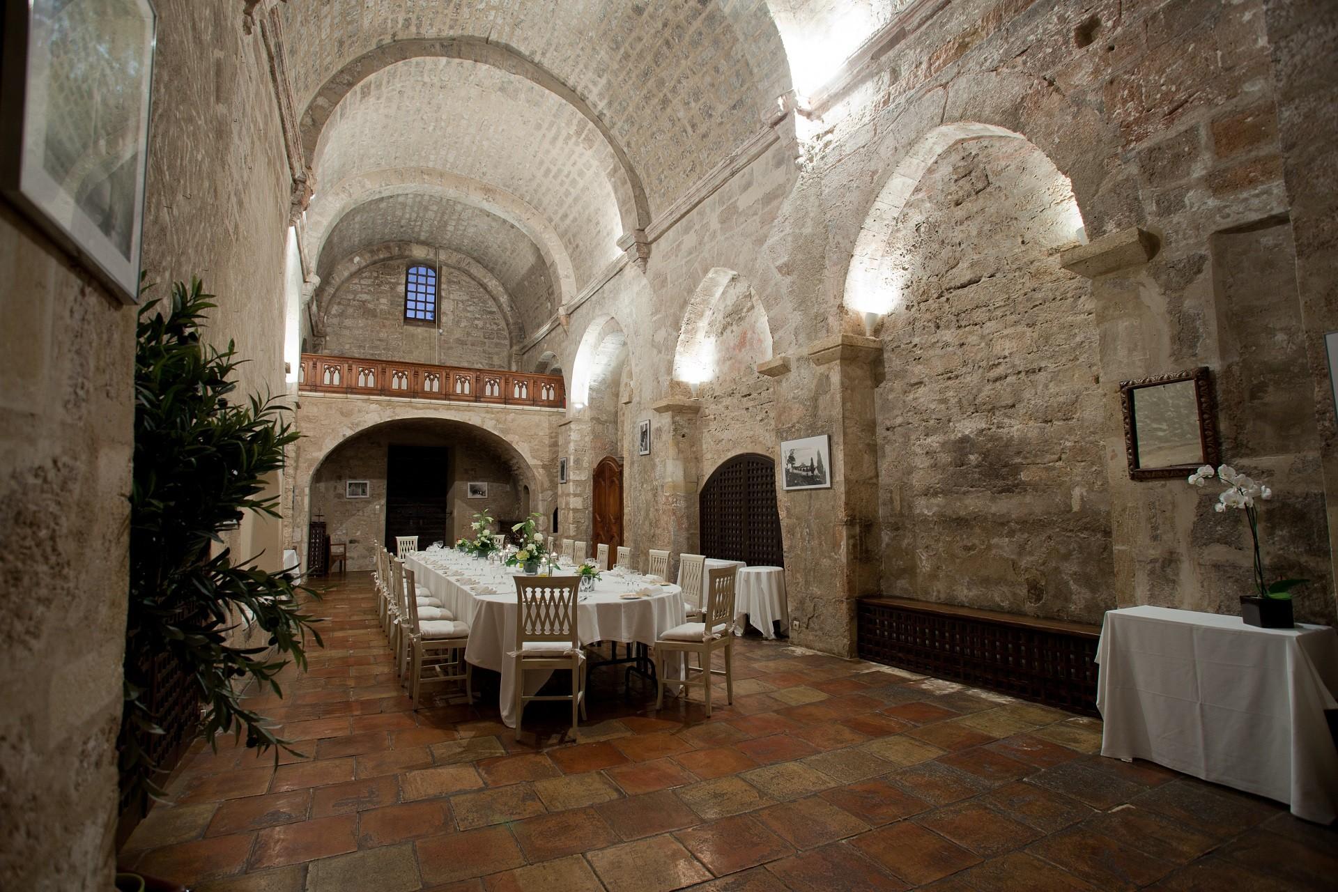 Abbaye-de-Sainte-Croix-provence-luberon--salle-a-manger-Seminaires-de-caractere