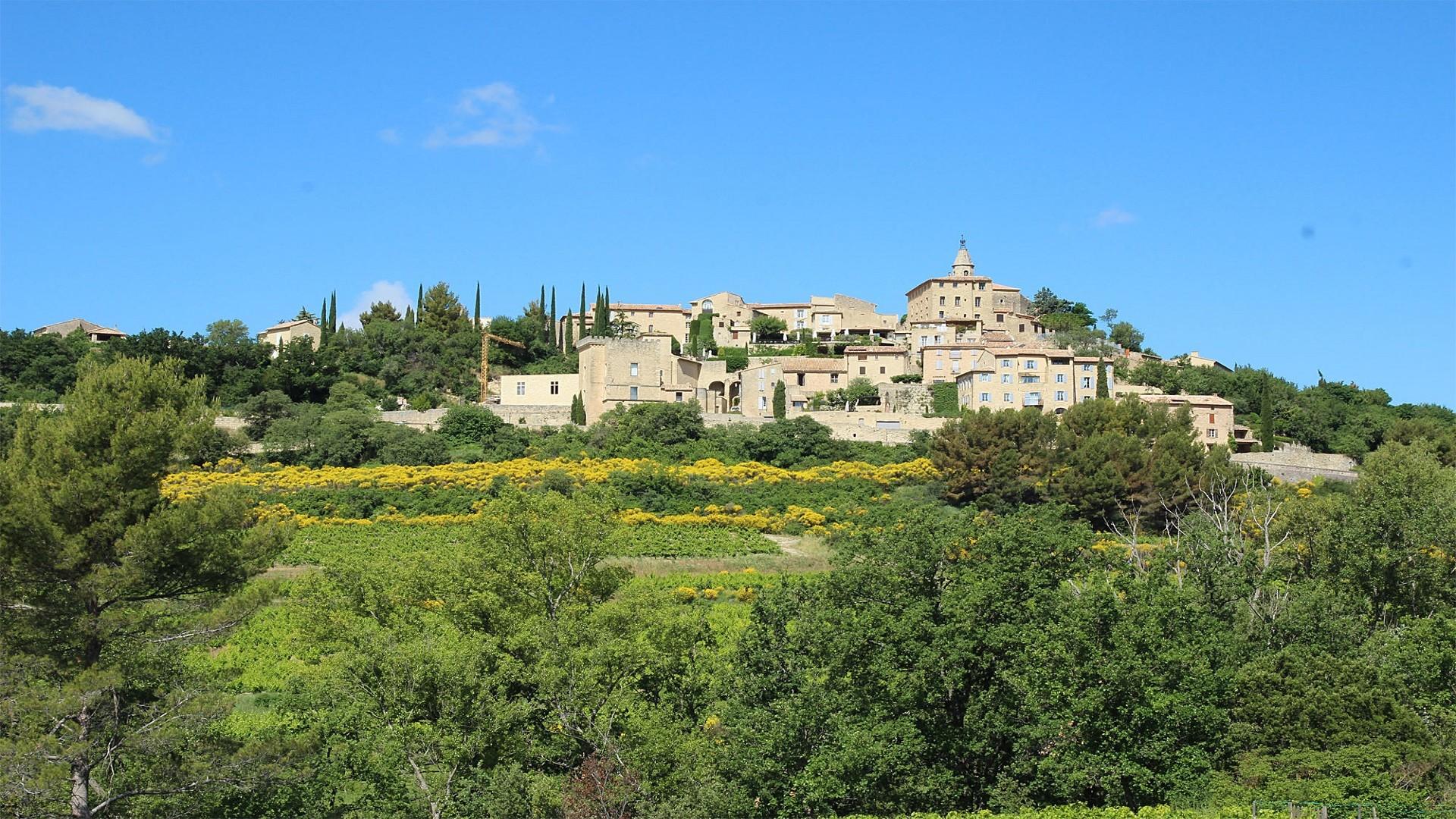 Crillon-le-brave-mont-ventoux-provence-avignon-village-seminaires-de-caractere