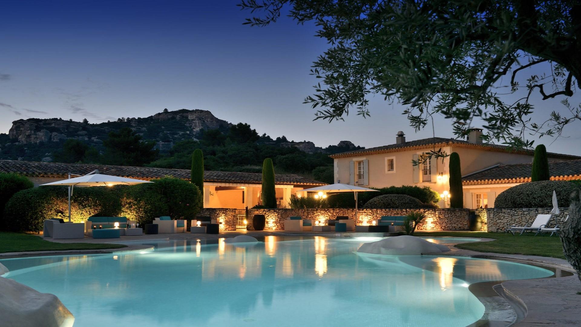 Mas-de-l'oulivie-Les-Baux -de-Provence-avignon-saint-remy-alpilles-nocturne
