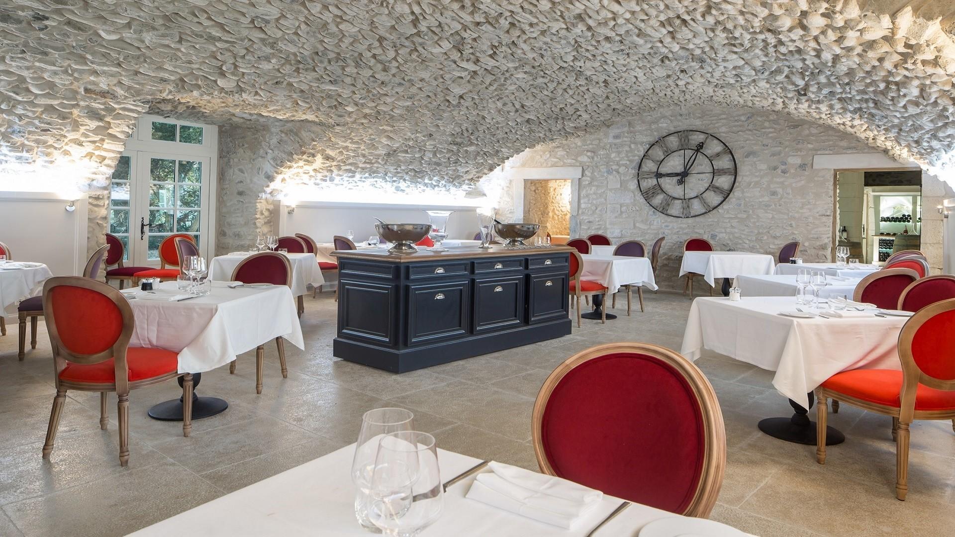 chateau-les-oliviers-de-salettes-drome-seminaires-de-caractere-restaurant