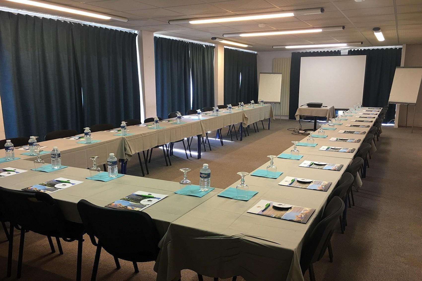 les-oliviers-loriol-sur-drome-valence-reunions-seminaires-de-caractere-reunions